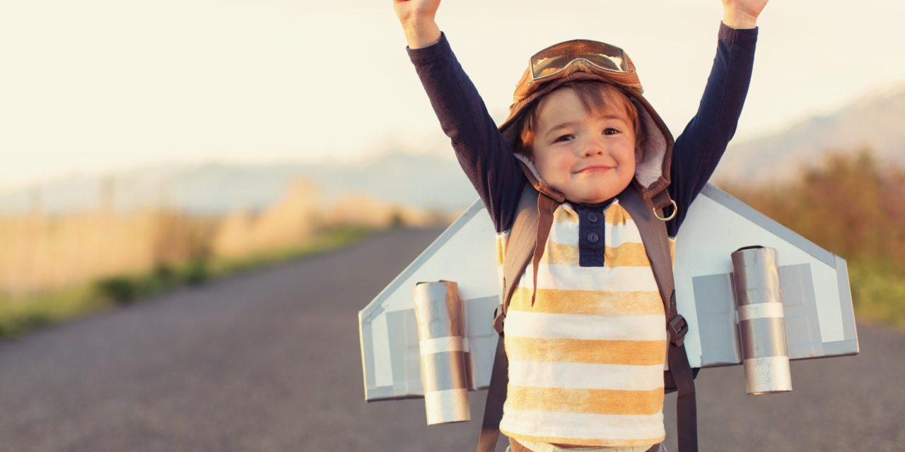 Enfant seul en avion ou dans le train : comment le faire voyager ?