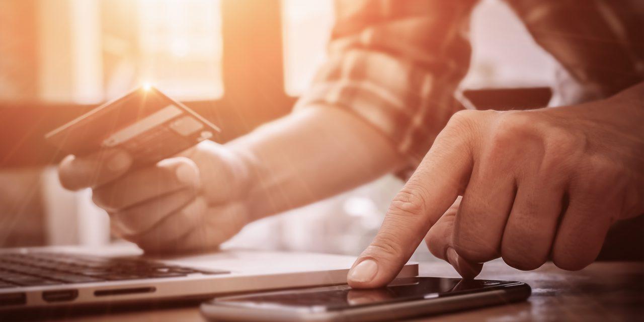 Carte bancaire : un formulaire en ligne pour signaler les fraudes aux forces de l'ordre