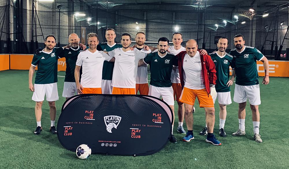 Play in Club : une équipe de foot à 5 pour renforcer la cohésion d'équipe et développer son réseau professionnel.